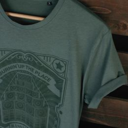 Burnin'Up the Place - Bass line mad - midnight green tshirt | Organic Cotton